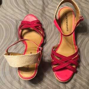 Like new! Lucky 🍀 Brand pink wedge. Size 11